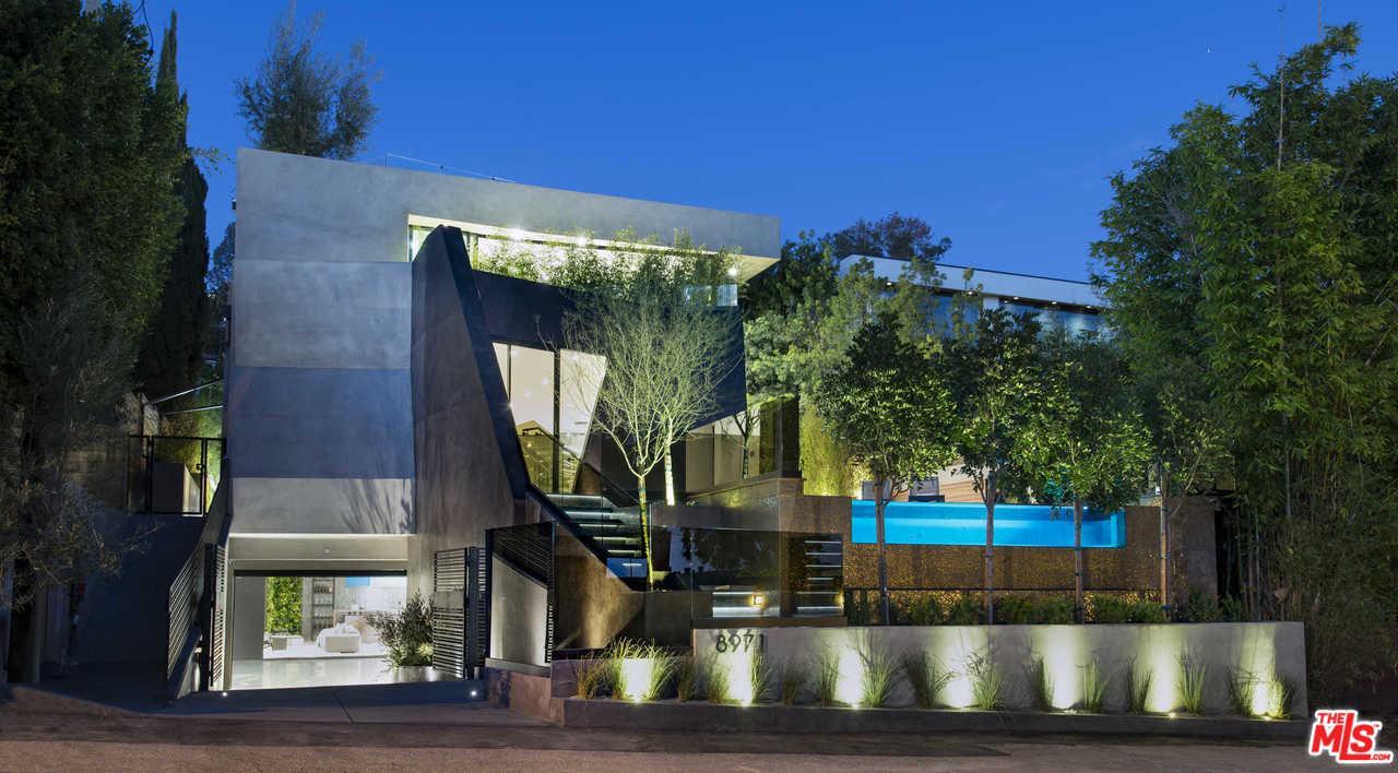 Photo of 8971 SHOREHAM DR, Los Angeles, CA 90069