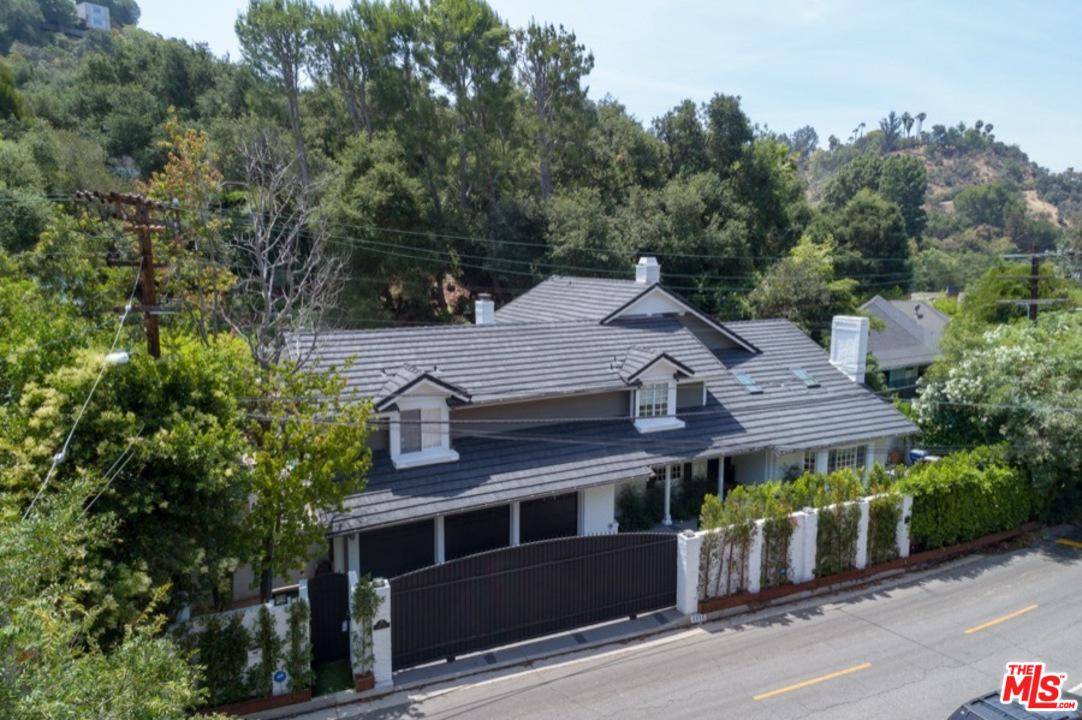 Photo of 2572 HUTTON DR, Beverly Hills, CA 90210