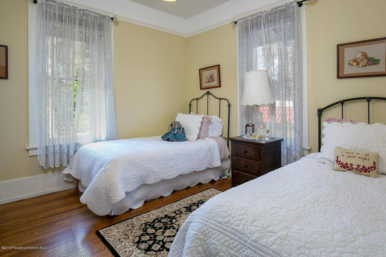468 LOCKE HAVEN, Pasadena, CA 91105 - 468 Locke Haven St 036-mls