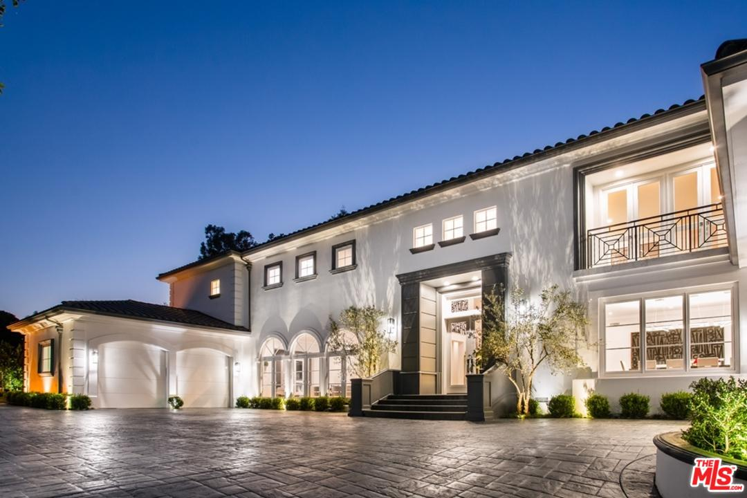 Photo of 1041 LAUREL WAY, Beverly Hills, CA 90210