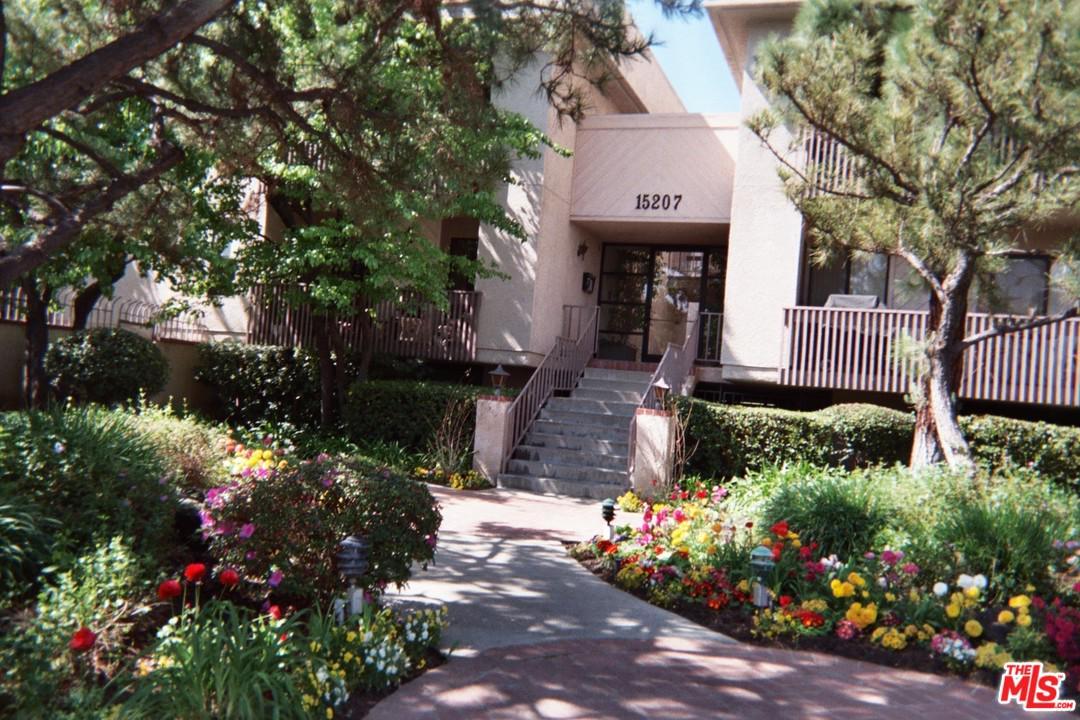 Photo of 15207 MAGNOLIA BLVD, Sherman Oaks, CA 91403
