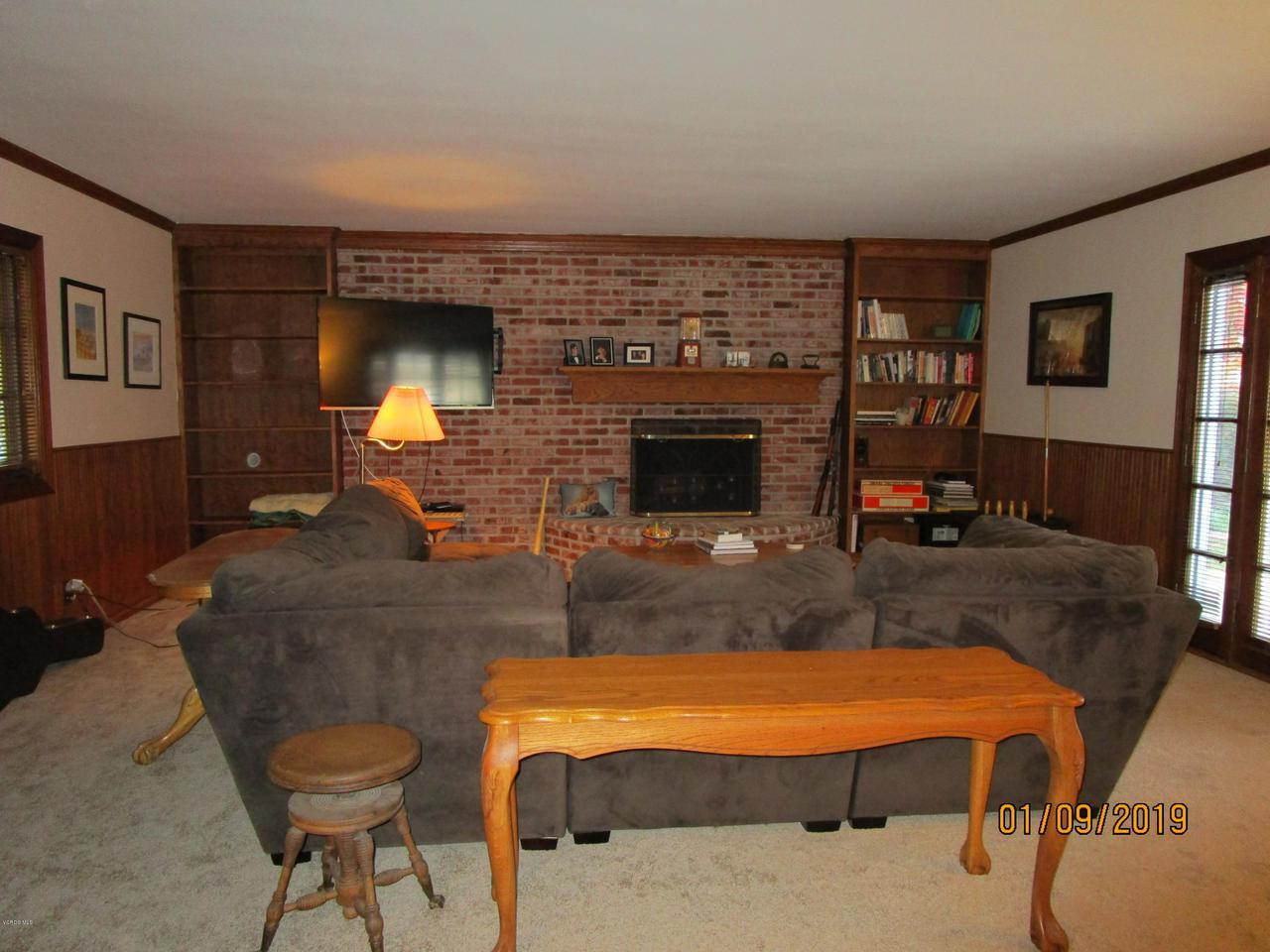 10720 TERNEZ, Moorpark, CA 93021 - Livingroom with Fireplace