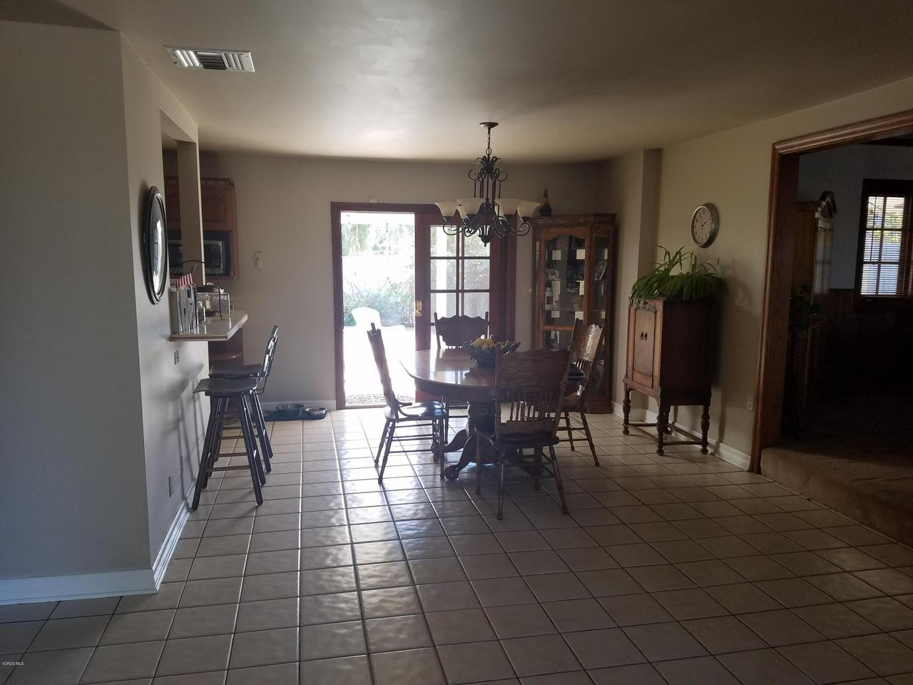 10720 TERNEZ, Moorpark, CA 93021 - Dining Area