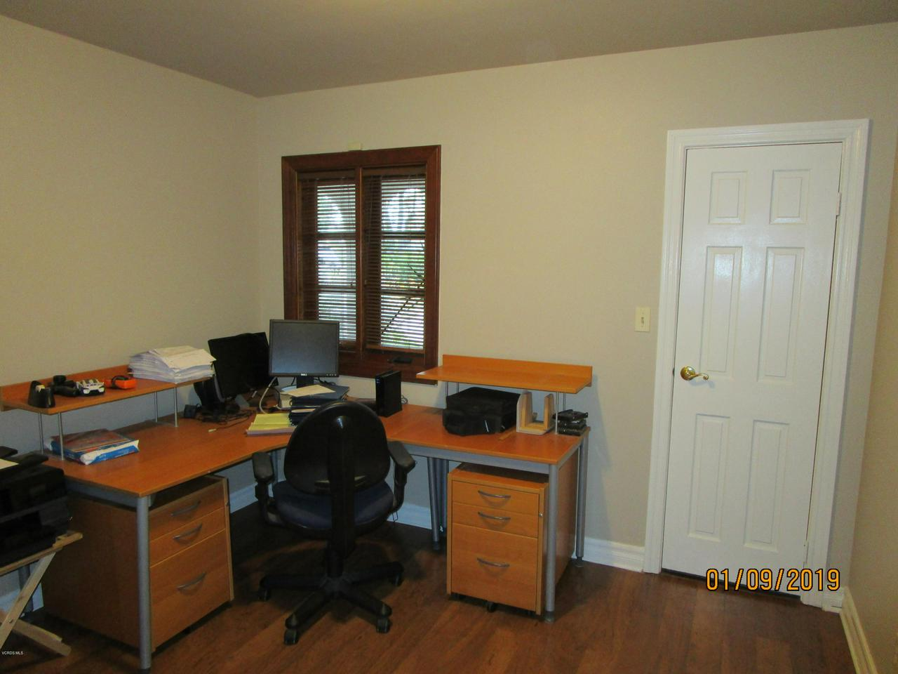 10720 TERNEZ, Moorpark, CA 93021 - Bedroom 1