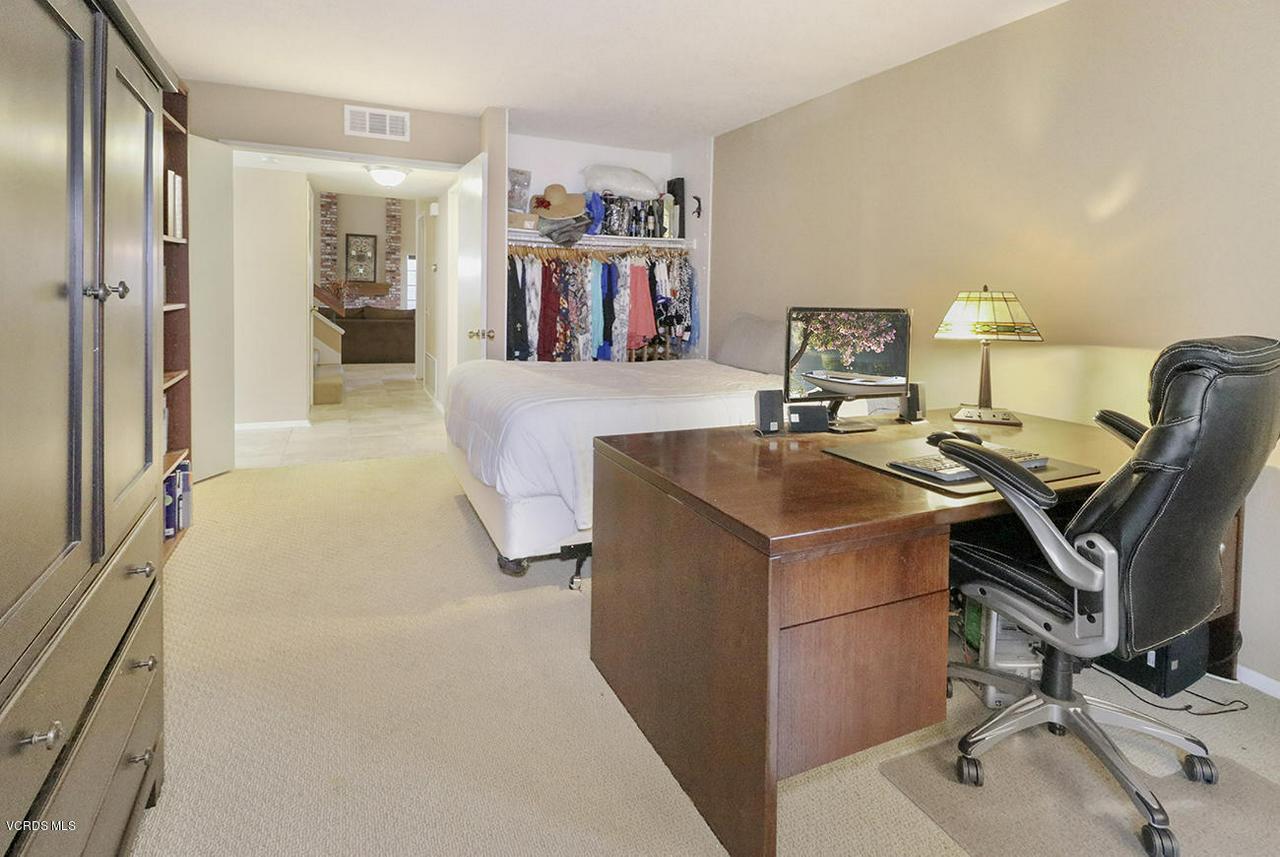 4076 DONEVA, Moorpark, CA 93021 - gGuest Bedroom1-2