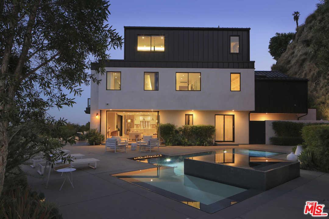 8080 LAUREL VIEW, Los Angeles (City), CA 90069