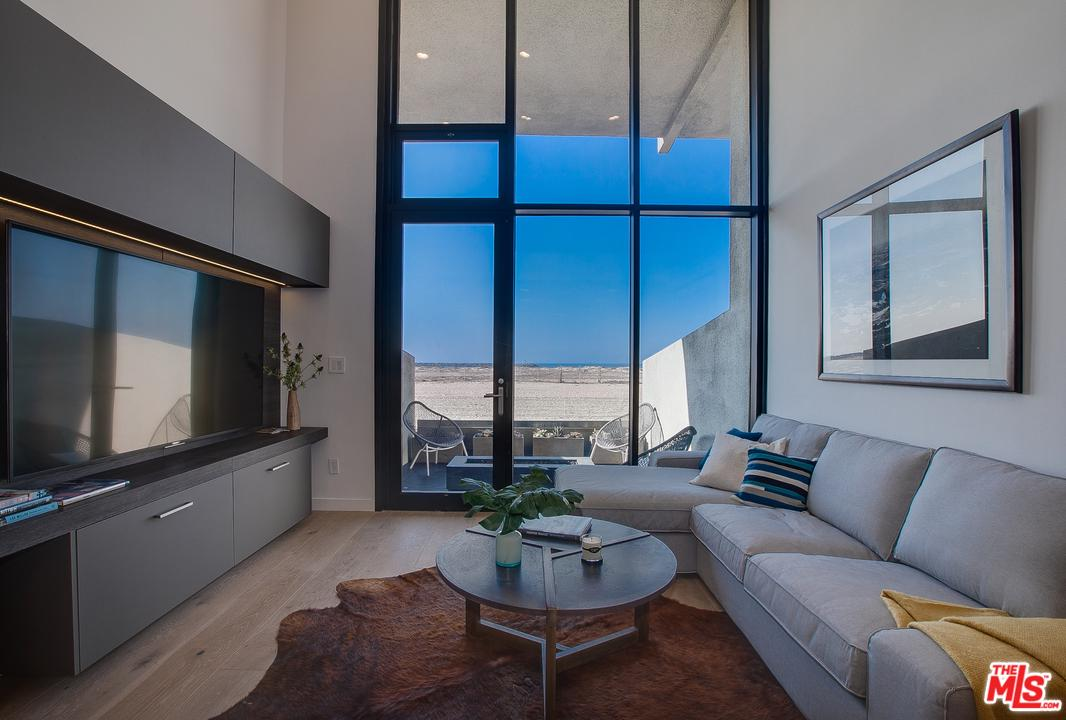 Property for sale at 6 VOYAGE STREET #103, Marina Del Rey,  California 90292