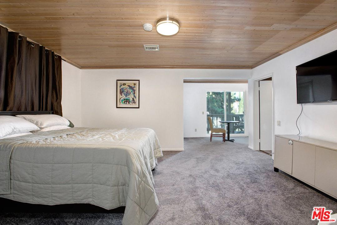 9350 SIERRA MAR, Los Angeles (City), CA 90069