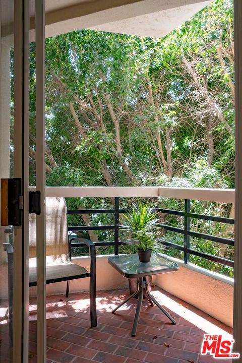 120 CRESCENT, Beverly Hills, CA 90212