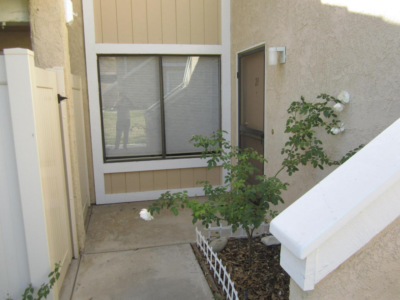 2905 DEACON, Simi Valley, CA 93065 - Curb