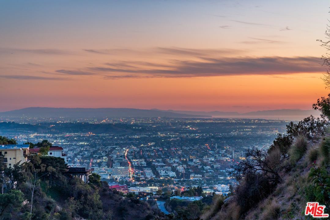 2081 SUNSET PLAZA, Los Angeles (City), CA 90069