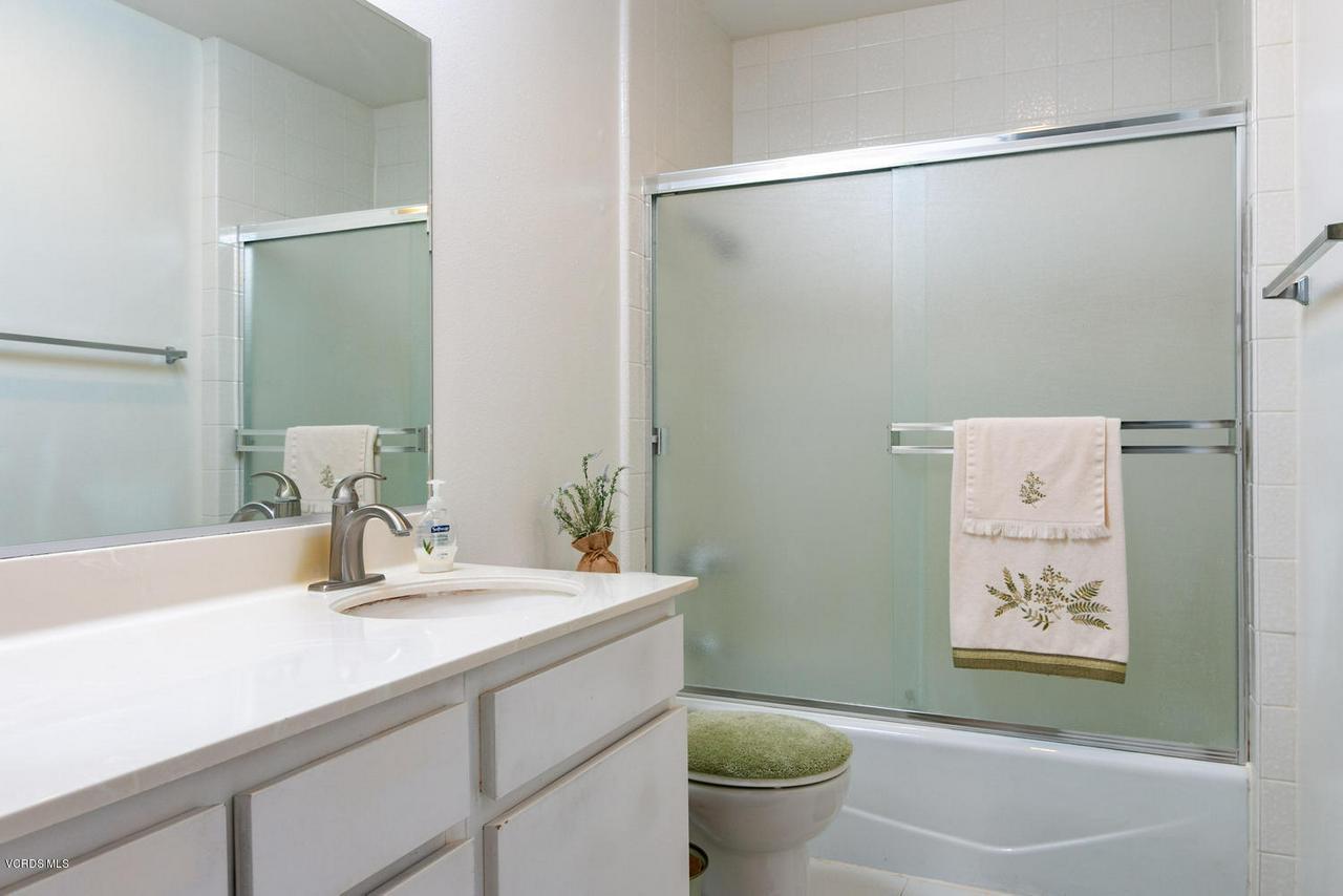 5711 MORRO BAY, Ventura, CA 93003 - 5711 Morro Bay Lane-014-14-Bathroom-MLS_