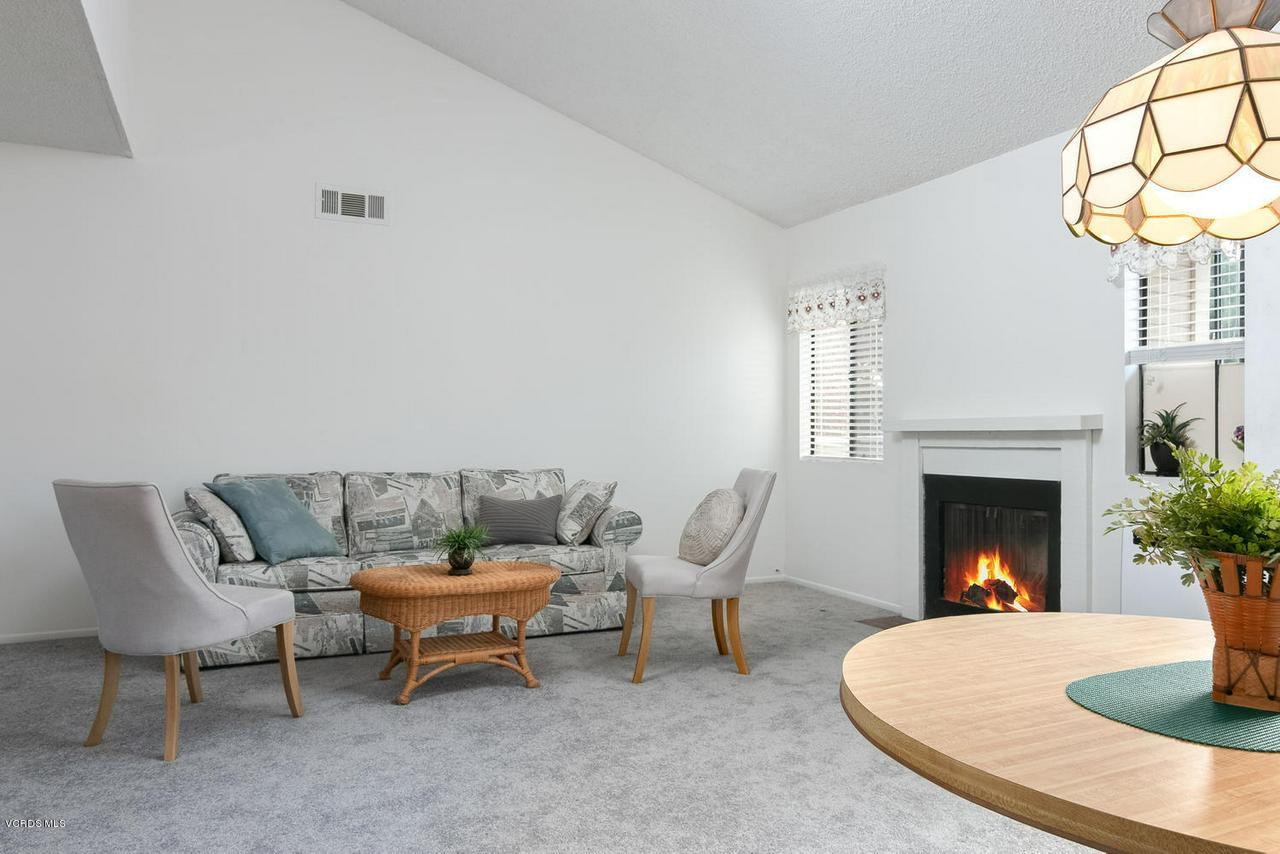 5711 MORRO BAY, Ventura, CA 93003 - 5711 Morro Bay Lane-003-6-LivingDining R