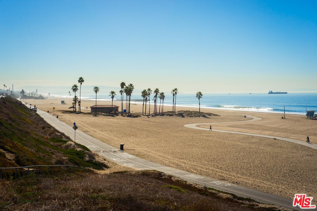 8162 MANITOBA, Playa Del Rey, CA 90293