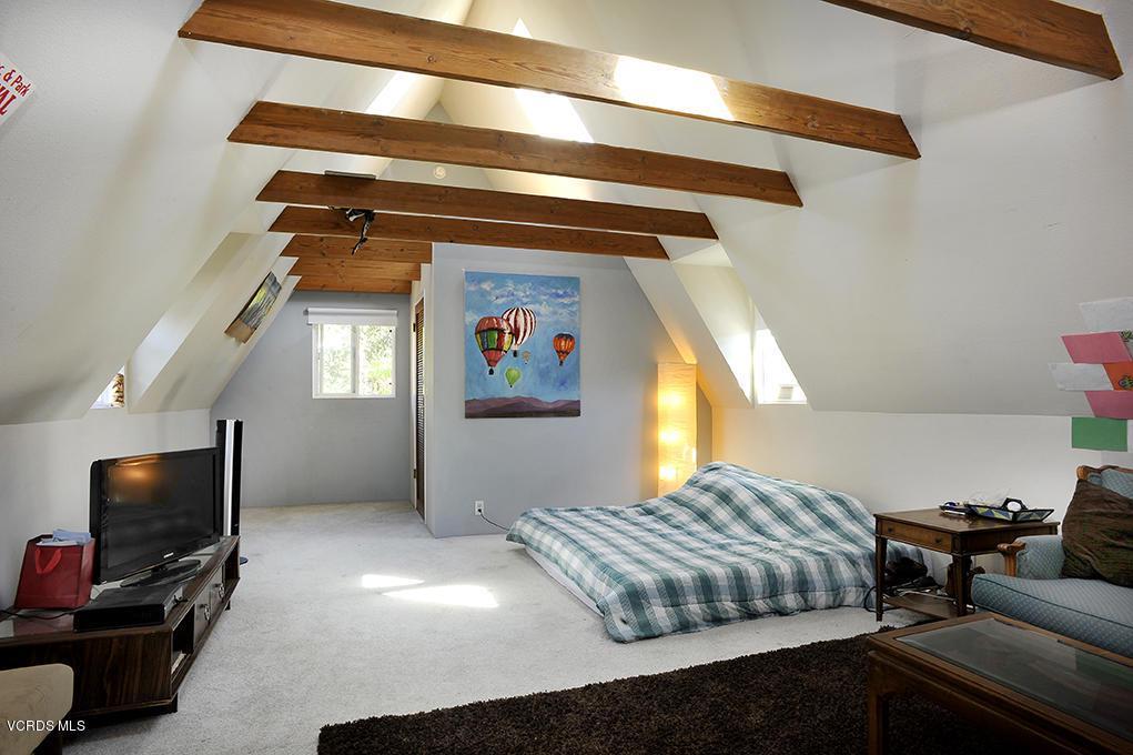 33206 DECKER SCHOOL, Malibu, CA 90265 - Master Bedroom