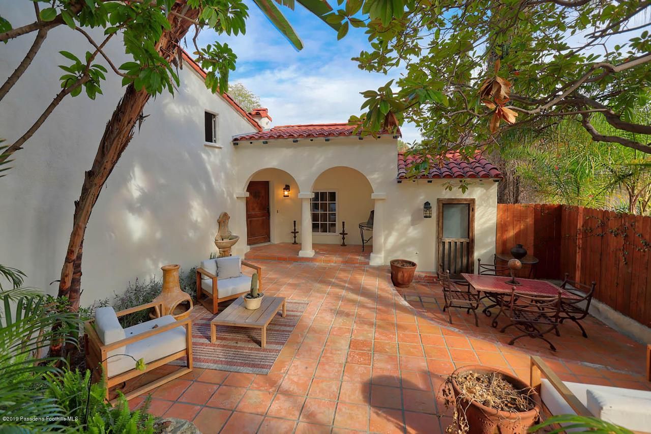 3342 OAK GLEN, Los Angeles (City), CA 90068 - 2