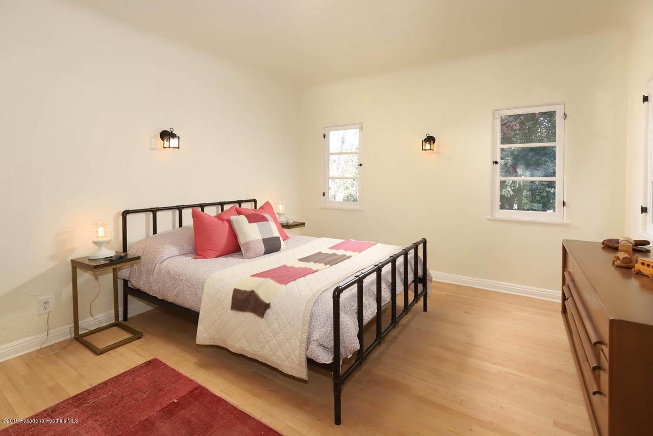 3342 OAK GLEN, Los Angeles (City), CA 90068 - 21