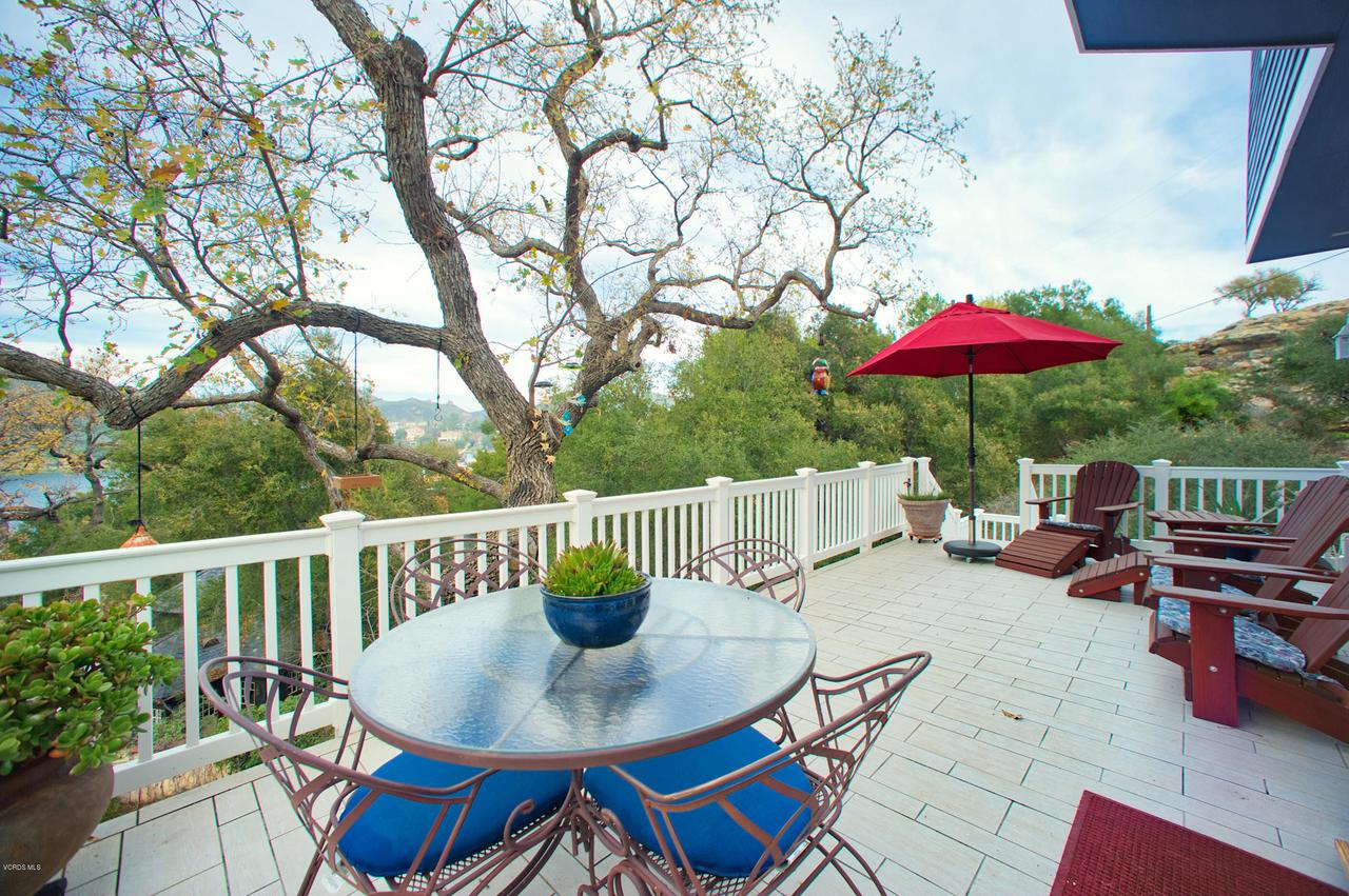 115 GILES, Lake Sherwood, CA 91361 - Deck off Breakfast room