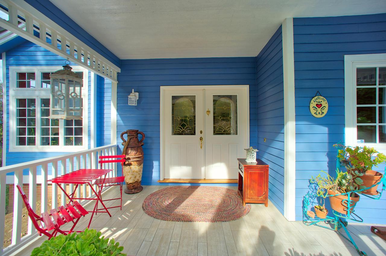 115 GILES, Lake Sherwood, CA 91361 - Charming Front porch