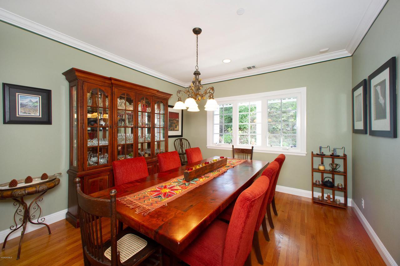 115 GILES, Lake Sherwood, CA 91361 - Formal Dining Room