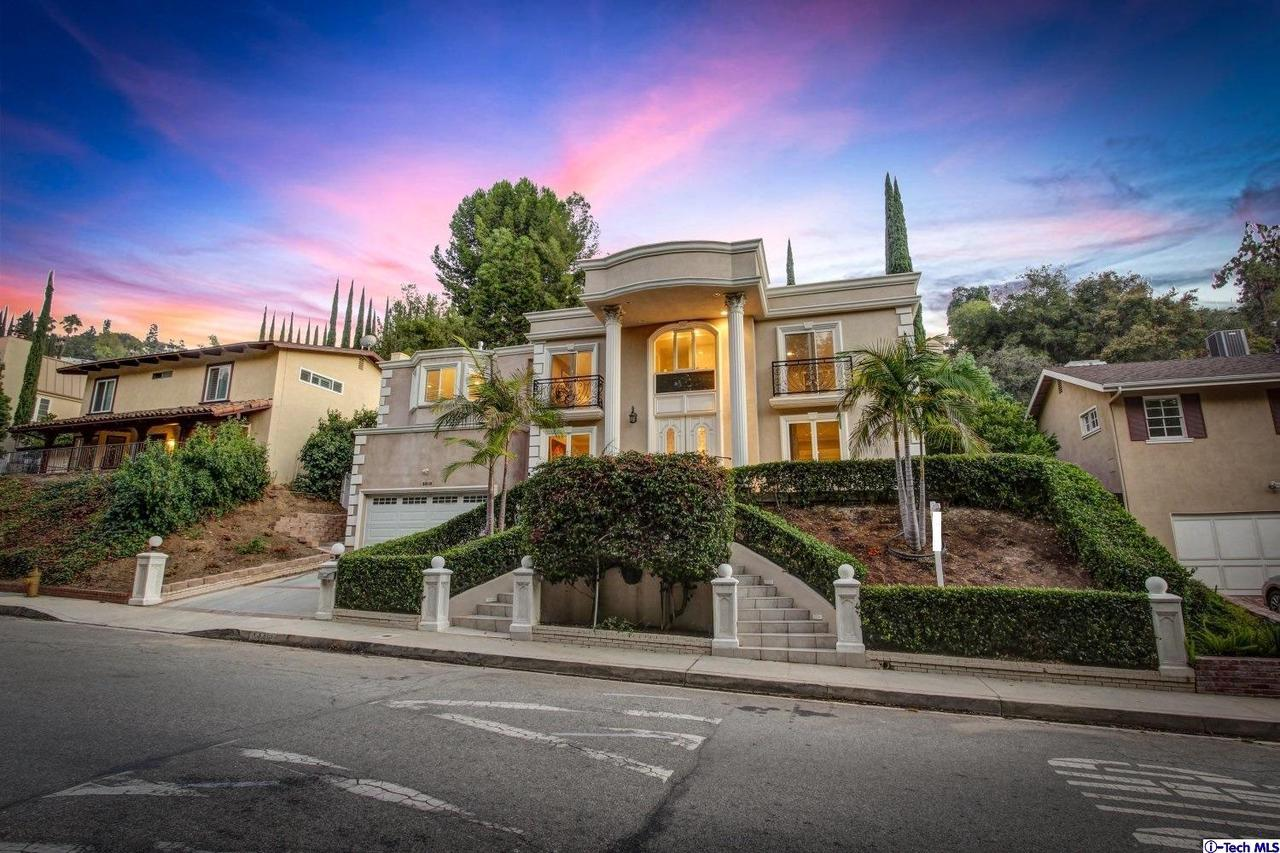 3328 BERRY Drive - Studio City, California
