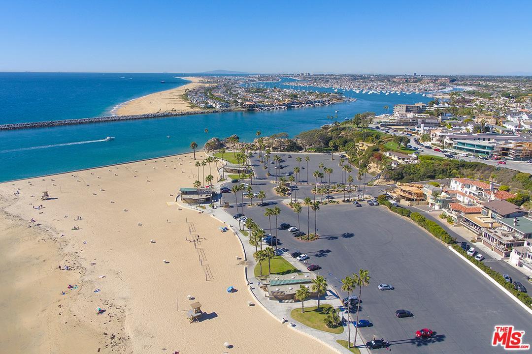 300 LARKSPUR, Corona Del Mar, CA 92625
