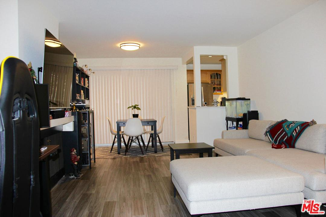 Photo of 10105 SUMMERTIME LN, Culver City, CA 90230