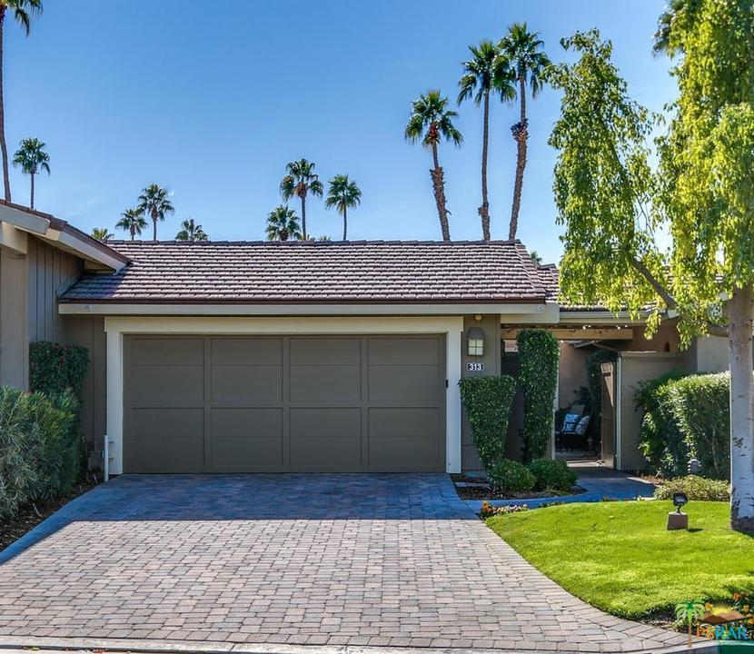Country Lake Apartments: Palm Springs Condos & Apartments