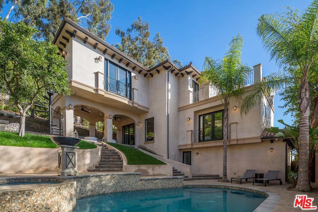6403 IVARENE, Los Angeles (City), CA 90068