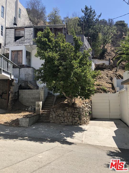 Photo of 9848 PORTOLA DR, Beverly Hills, CA 90210