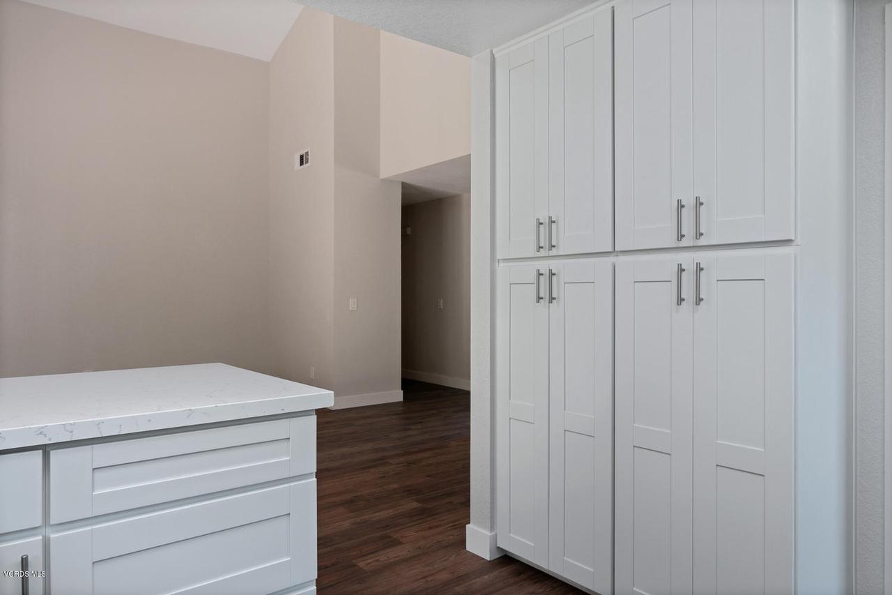 6458 SAN COMO, Camarillo, CA 93012 - 6458 San Como Ln-012-2-Kitchen-MLS_Size