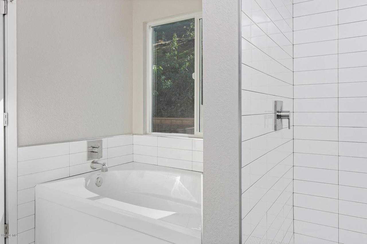 6458 SAN COMO, Camarillo, CA 93012 - 6458 San Como Ln-008-9-Master Bath-MLS_S