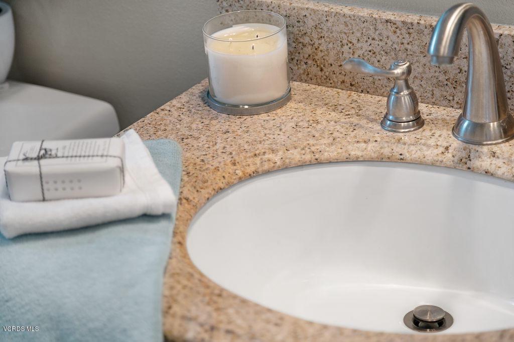 4511 VIA DEL SOL, Camarillo, CA 93012 - Guest bathroom detail
