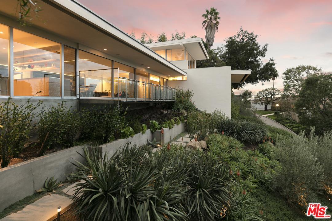 Photo of 201 BENTLEY CIR, Los Angeles, CA 90049