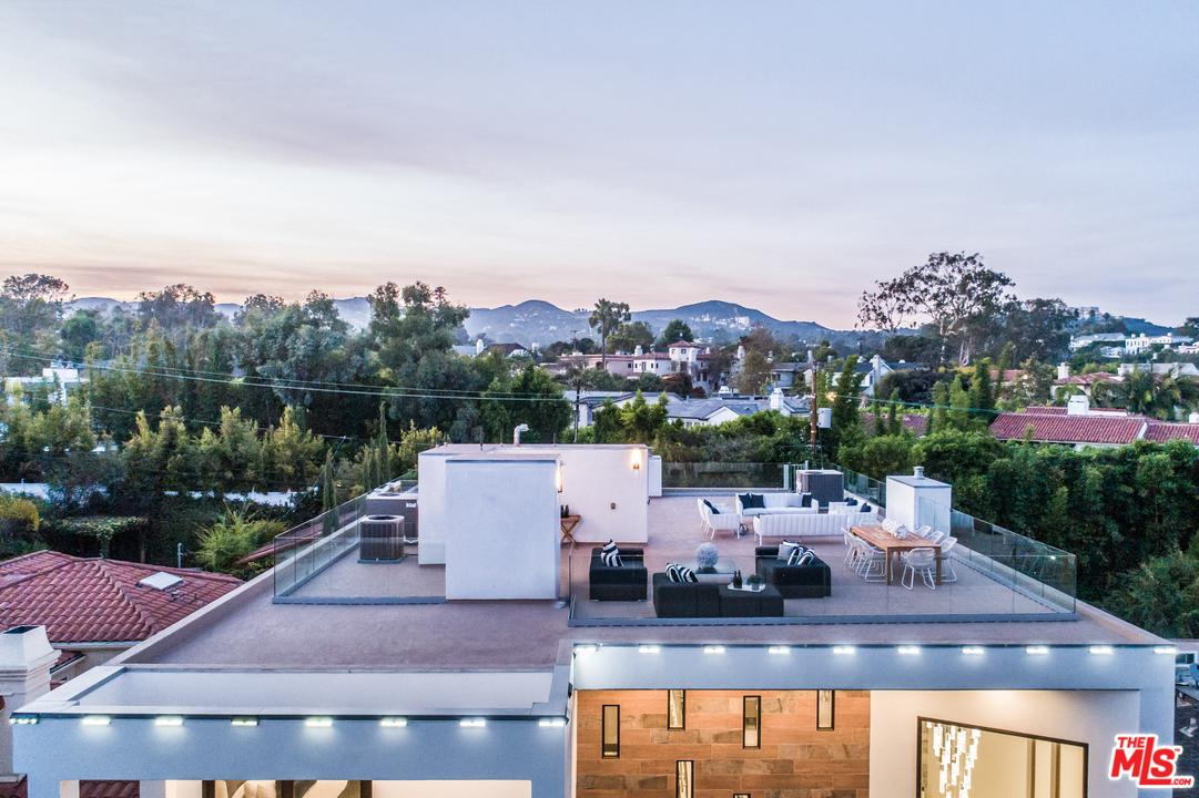 12443 SUNSET, Los Angeles (City), CA 90049