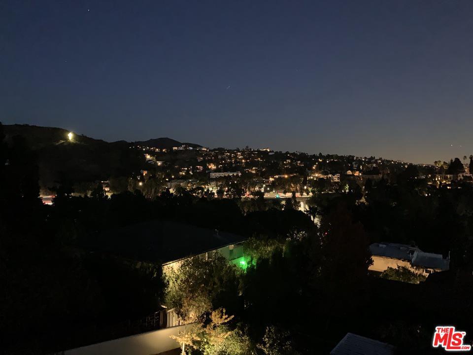 2158 ROCKLEDGE, Los Angeles (City), CA 90068