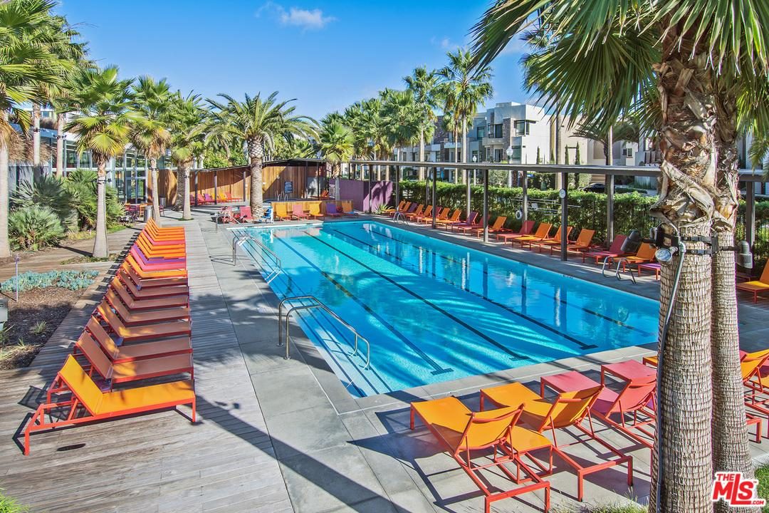 5824 MEADOWLARK, Playa Vista, CA 90094