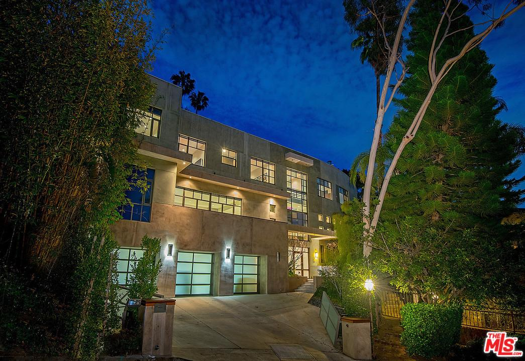 9267 THRUSH, Los Angeles (City), CA 90069