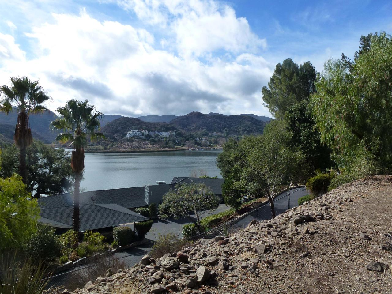 520 LAKE SHERWOOD, Lake Sherwood, CA 91361 - lake view