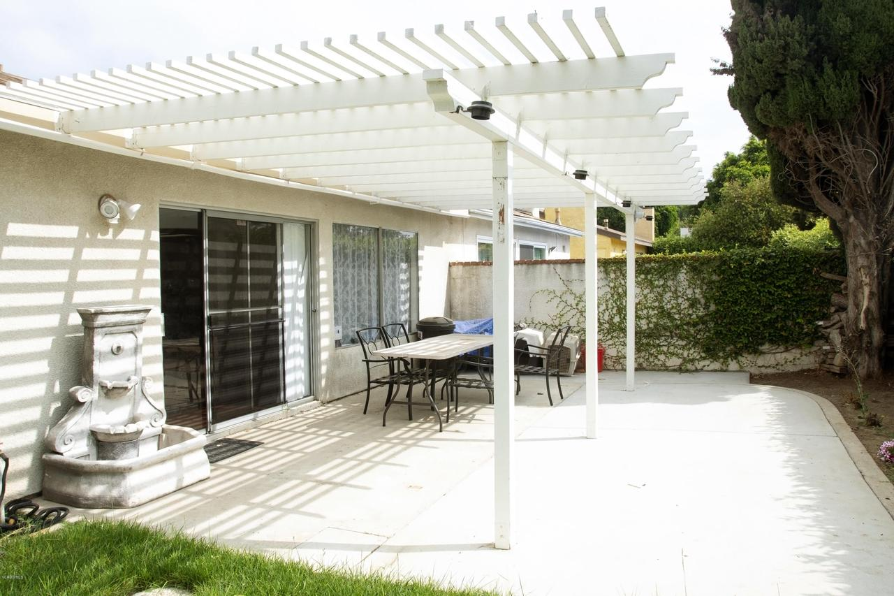 576 SALAS, Santa Paula, CA 93060 - Covered Patio