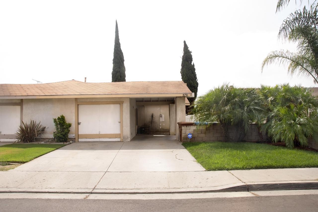 576 SALAS, Santa Paula, CA 93060 - Front House
