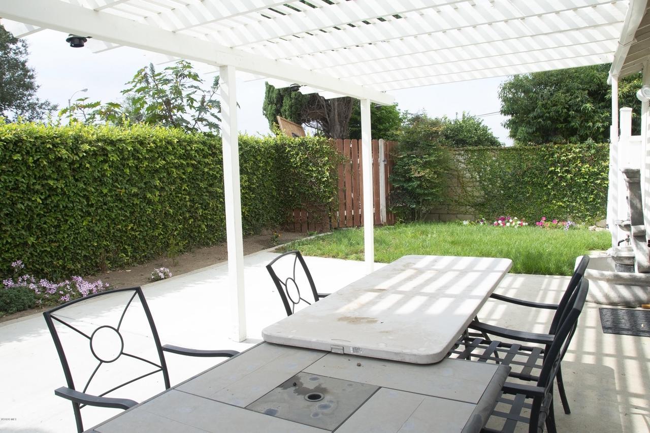 576 SALAS, Santa Paula, CA 93060 - Private backyard