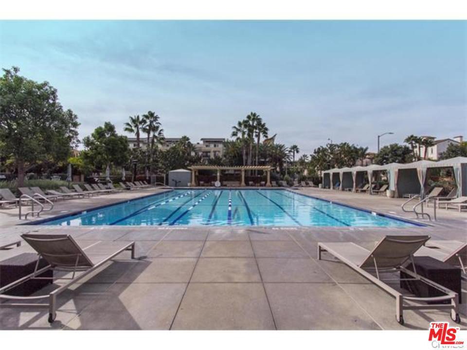 5837 VILLAGE, Playa Vista, CA 90094