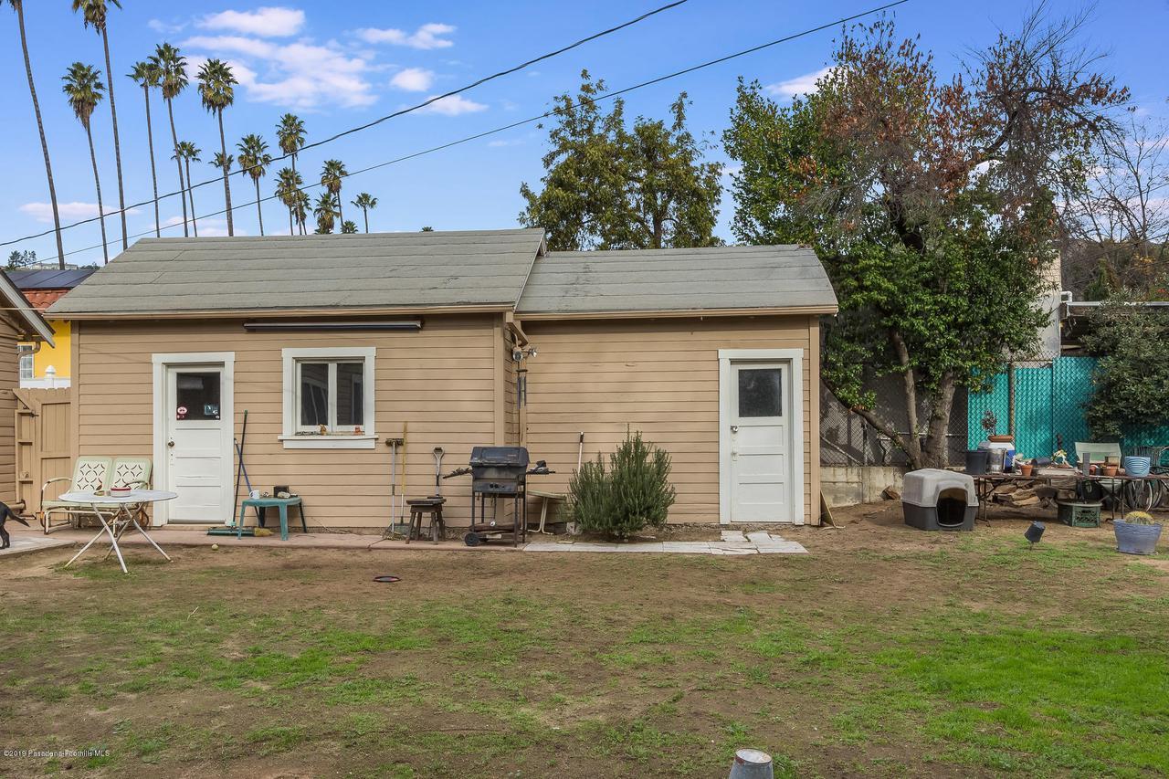 5238 TOWNSEND, Los Angeles (City), CA 90041 - w.18-1204.garage_workshop_exterior