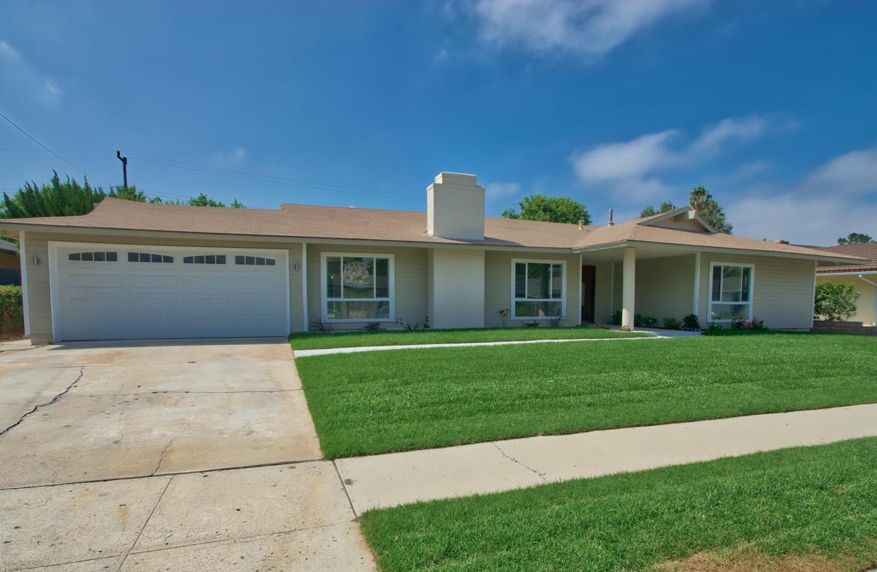 74 DOONE, Thousand Oaks, CA 91360 - Front Ext