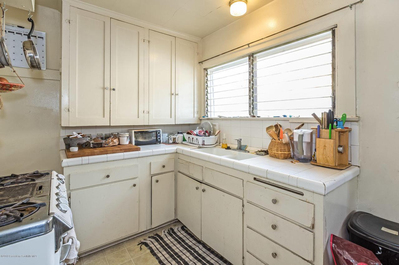 5238 TOWNSEND, Los Angeles (City), CA 90041 - w.18-1204.kitchen_a