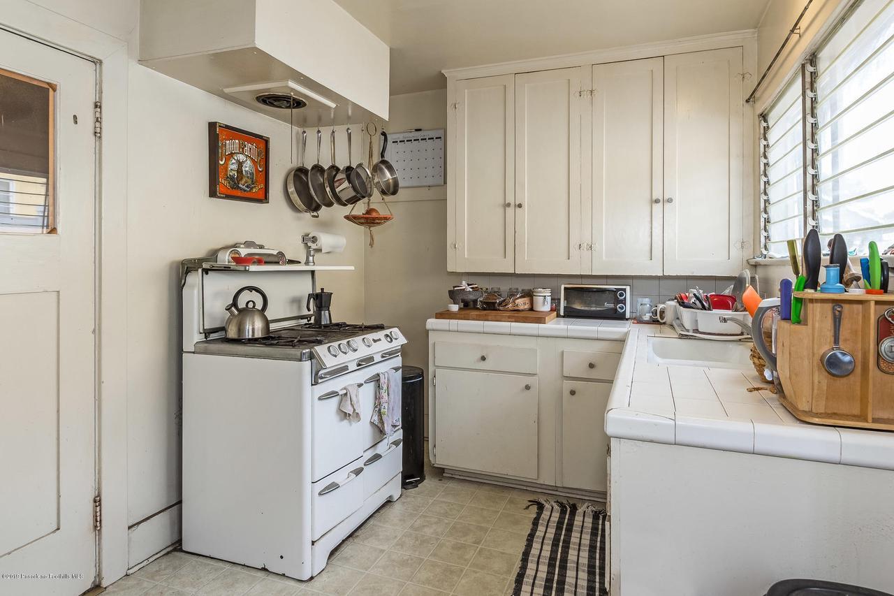 5238 TOWNSEND, Los Angeles (City), CA 90041 - w.18-1204.kitchen_b