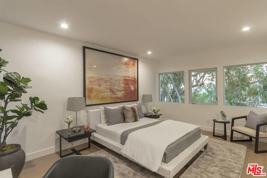 3564 MULTIVIEW, Los Angeles (City), CA 90068
