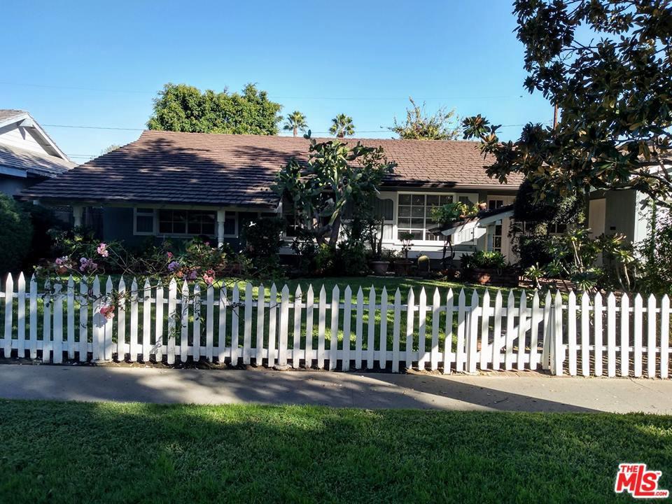 1909 LYON, Santa Ana, CA 92705