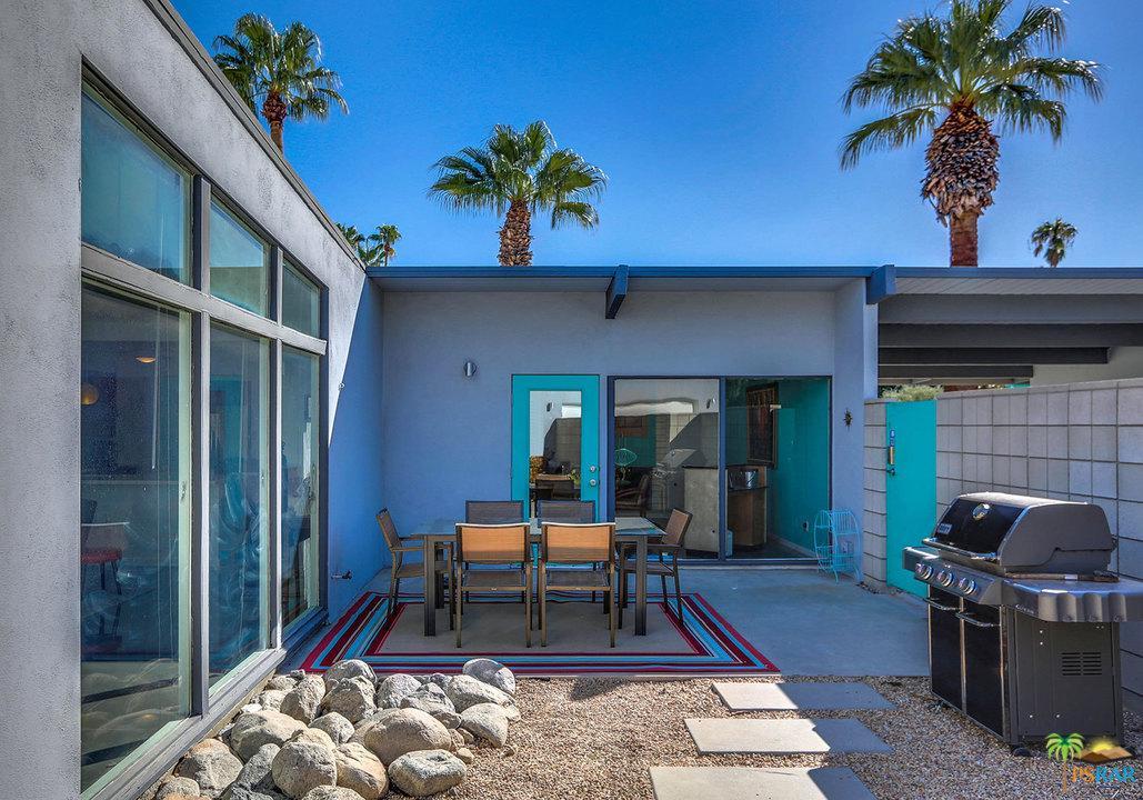 2702 PLAIMOR, Palm Springs, CA 92262